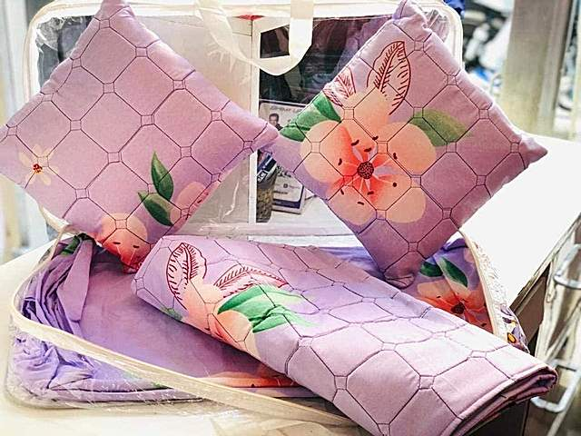 MORADO Pink Floral Glace Cotton Double Bed Bedsheet with 2 Quilted Pillow Covers and 2 Quilted Filled Cushions